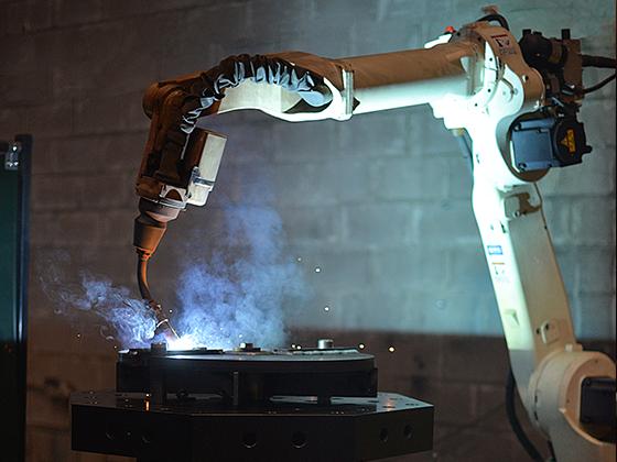 Fortas suvirinimo robotas